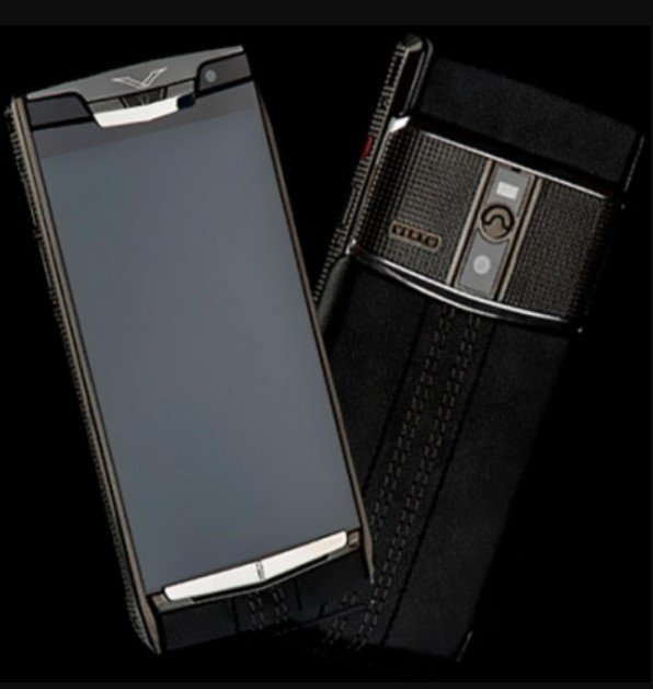 Vertu Signature Touch Clous De Paris Black NEW